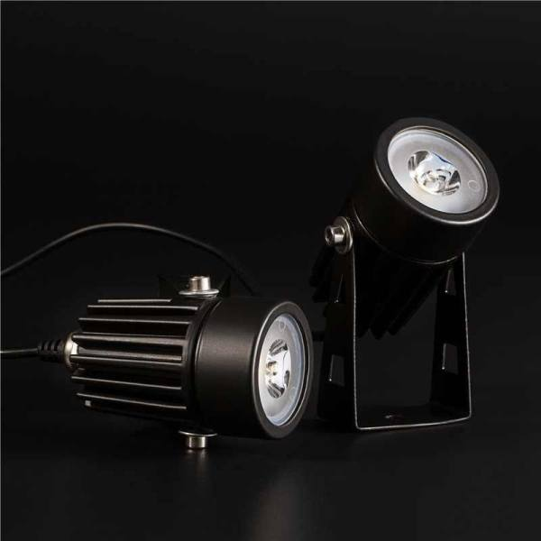Solar LED Garden Lamp Spot Light Outdoor Lawn Landscape Spotlight  Waterproof New   Intl