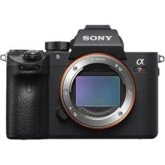Sony ILCE-7RM3 A7R III Body 1 x Sony G-Series 64GB UHS-II SD Card 1 x 64GB UHS-I SD Card 1 x Sony NP-FZ100 Battery