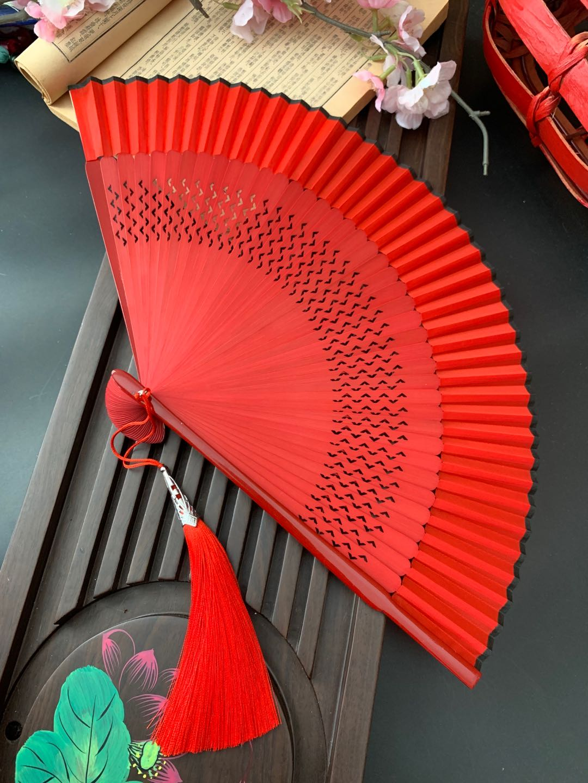 Phong Cách Trung Quốc Cổ Điển Phong Cách Cổ Nhỏ Vẽ Tay Màu Đỏ Xuyên Thấu Nữ Quạt Gấp Mang Theo Người Xách Tay Nhảy Quạt Múa Trang Phục Thời Hán