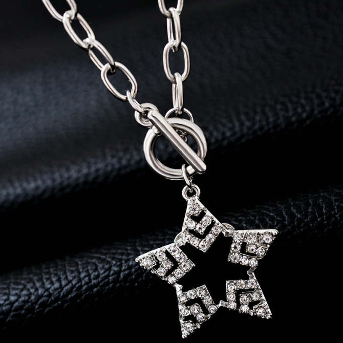 Love day crystal five point STAR Star choker