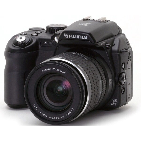 Fujifilm Finepix S9000 9MP Digital Camera with 10.7x Wide Optical Zoom made in japan(Export)